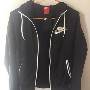 NWT Nike windbreaker